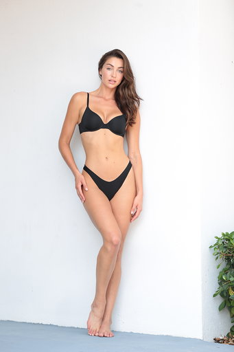DIGITALS - CHELCIE MAY - WOMEN